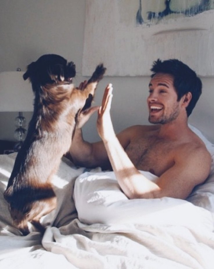 12-guys-who-have-a-bromance-with-their-dogs-and-we-love-it